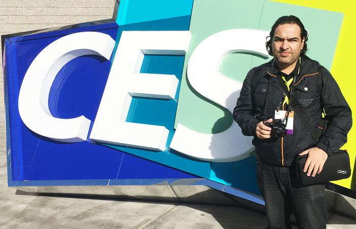 Sergio Cara en la entrada de la CES 2017